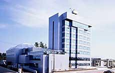 港のホテル
